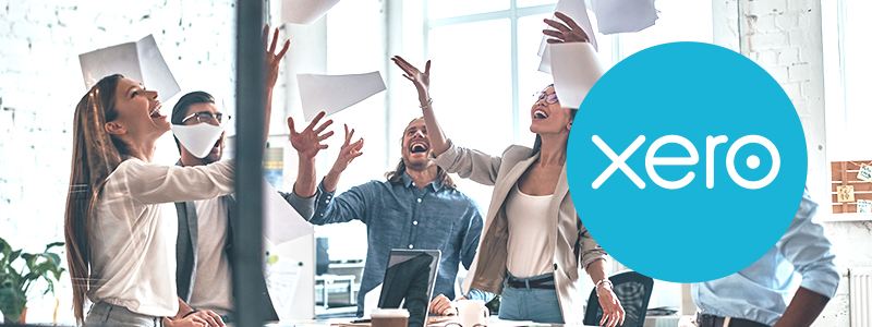 Xero logo and happy people image